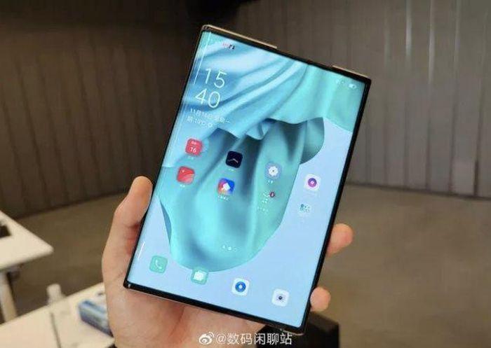 Xuất hiện thêm loạt video trên tay smartphone màn hình cuộn OPPO X 2021