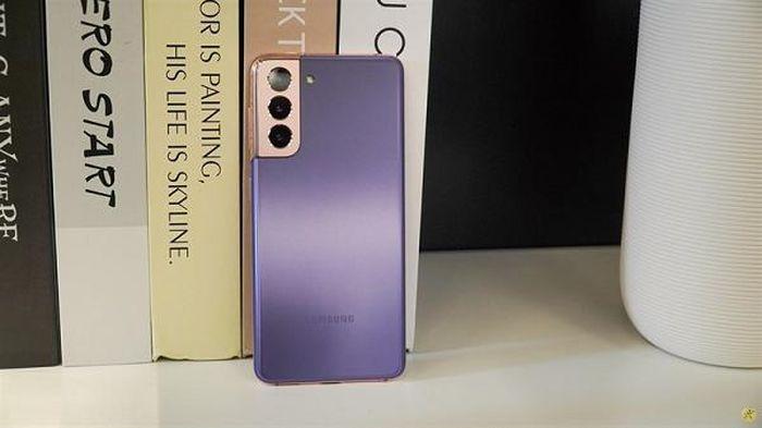 Chưa kịp 'khởi động' các đối thủ đã bị bộ ba Samsung này 'bỏ xa'
