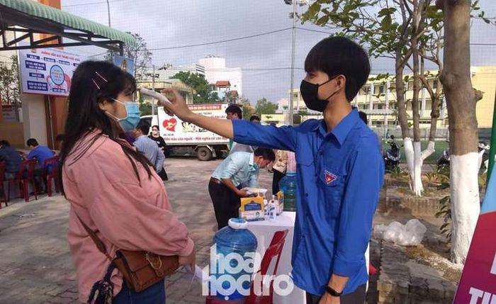 Sinh viên Đà Nẵng tích cực tham gia hoạt động tình nguyện tại 'Ngày hội hiến máu' năm 2021