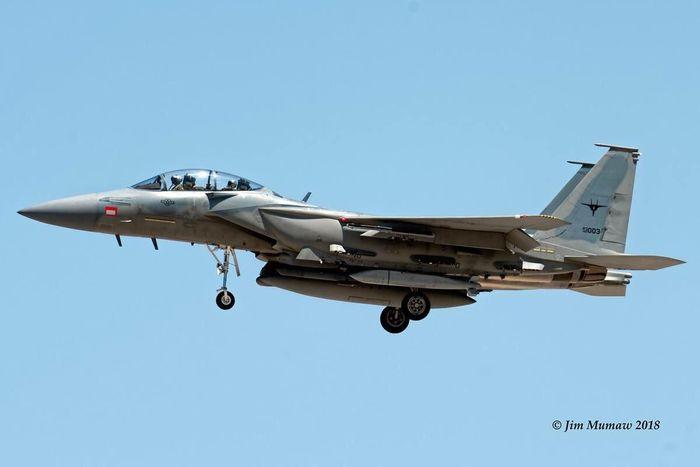 F-15E mang theo AGM-154 để hủy diệt phiến quân Syria thân Iran