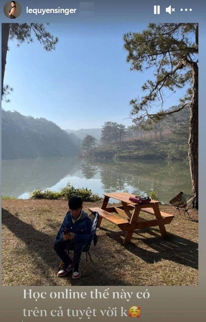 Lệ Quyên tự hào khoe con trai đi du lịch sung sướng vẫn không quên nhiệm vụ học tập