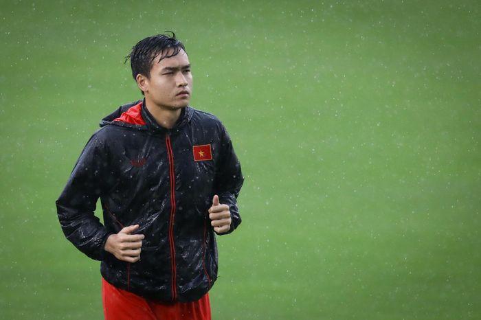 Bùi Hoàng Việt Anh phá lưới tuyển Việt Nam để chinh phục thầy Park