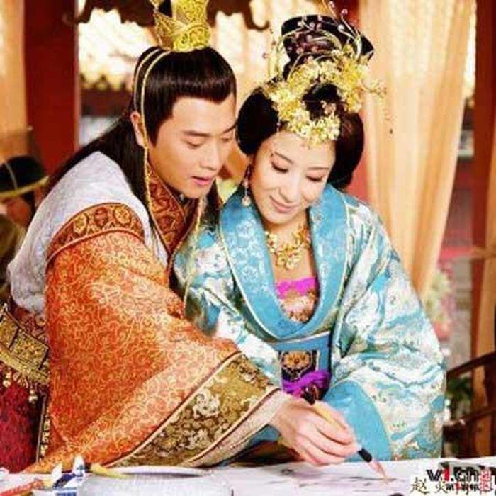 Số phận 'chìm nổi' của hoàng đế Trung Quốc do kỹ nữ sinh ra