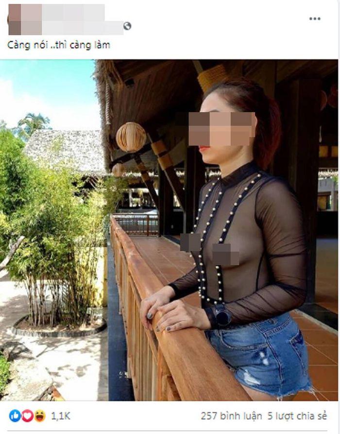Bị dân mạng chỉ trích vì 'thả rông' vòng 1 khắp nơi, người phụ nữ có động thái 'phản pháo' gay gắt