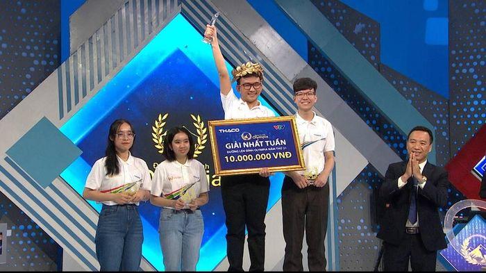 Nam sinh Quảng Ngãi xuất sắc giành vòng nguyệt quế Olympia, 'gương mặt thân quen' về nhì trong tiếc nuối