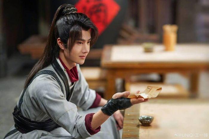 Vương Nhất Bác gặp rắc rối vì từ chối đóng phim cổ trang?