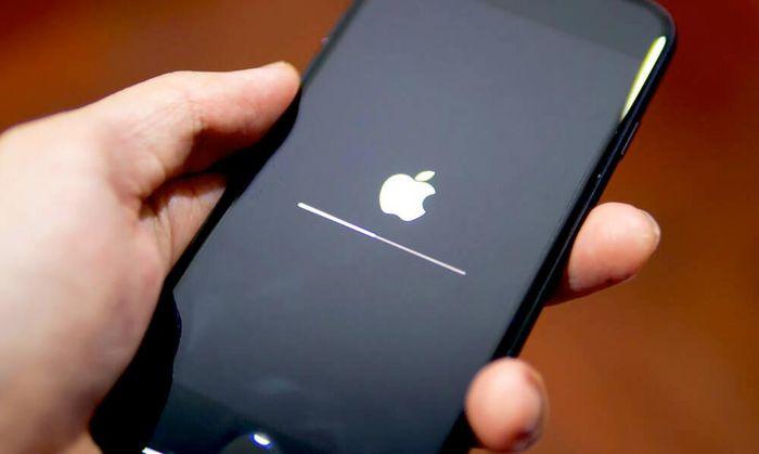 Nhiều iPhone dính lỗi 'treo Táo' khó chịu, đây là nguyên nhân và cách khắc phục