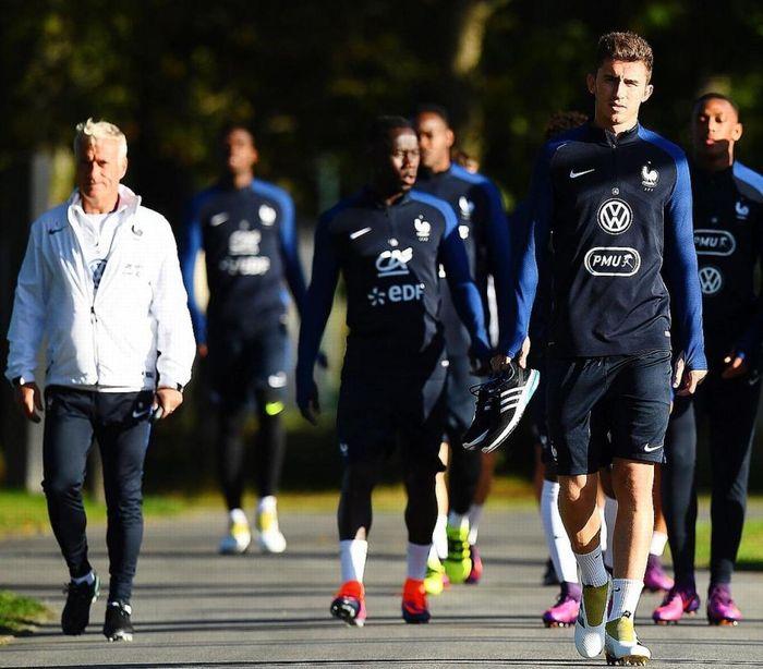 Trường hợp bí ẩn của Laporte ở tuyển Pháp