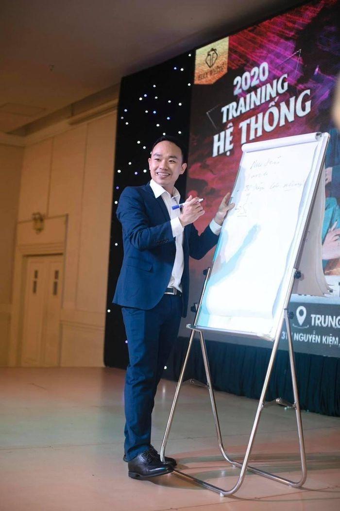 Có gì trong 2 cuốn sách Marketing thực chiến của doanh nhân Phạm Đức Tiệp?