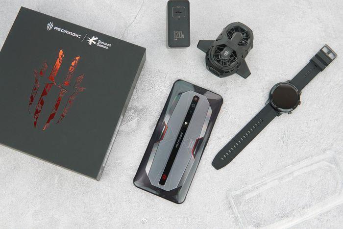 Red Magic 6 series ra mắt: Màn hình 165Hz, sạc nhanh 120W, RAM 18GB, giá từ 586 USD