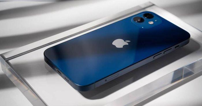 Apple cắt giảm sản lượng iPhone 12 mini vì doanh số 'bết bát'