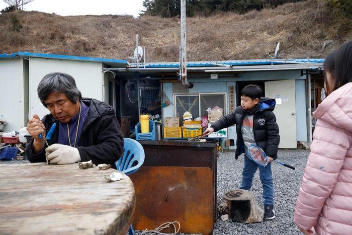 Những đứa trẻ cuối cùng trên hòn đảo 'già hóa' Hàn Quốc