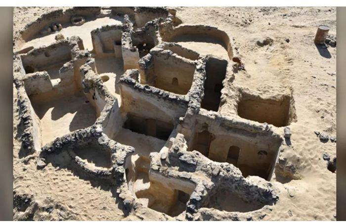 Tìm thấy tu viện Thiên Chúa Giáo cổ đại ở Ai Cập