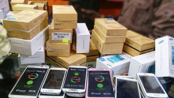 Điện thoại giả mạo 'đánh lừa' người dùng bằng hiển thị 5G