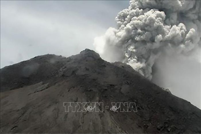 Núi lửa Merapi ở Indonesia phun trào 2 lần trong ngày 22/3