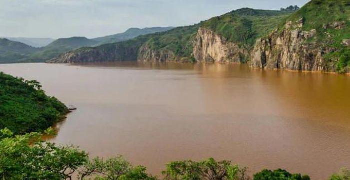 Những sông, hồ nào chỉ đứng cạnh cũng có thể chết người?