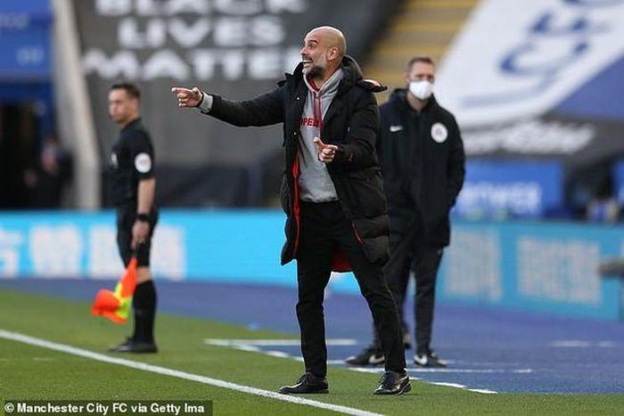 Guardiola châm ngòi cuộc chiến giữa Man City và Dortmund