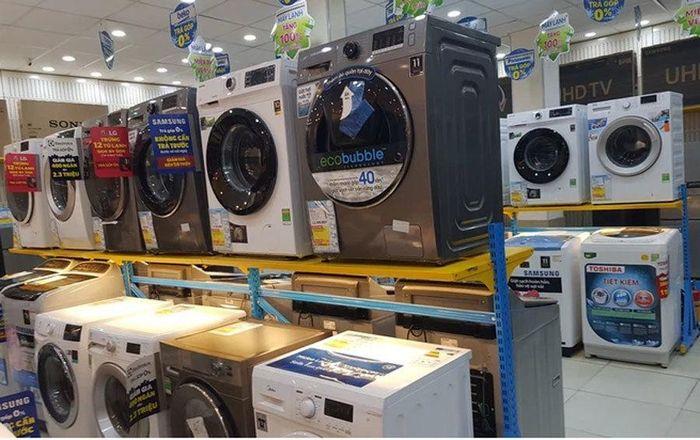 Máy giặt lồng ngang giảm giá không phanh đầu hè, có mẫu chỉ 5,3 triệu đồng
