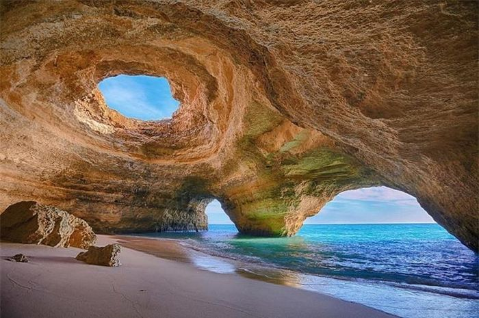 Những bãi biển tuyệt đẹp trên thế giới khiến du khách bị 'hớp hồn'