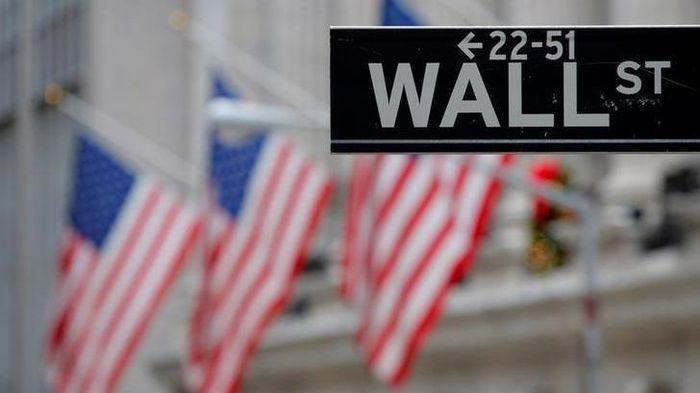 Chứng khoán Mỹ giảm gần 600 điểm khi lợi suất lên cao – Chính phủ sắp cạn tiền