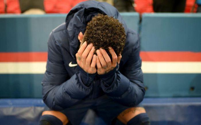 Neymar ăn mừng cuồng nhiệt trước mặt đối thủ