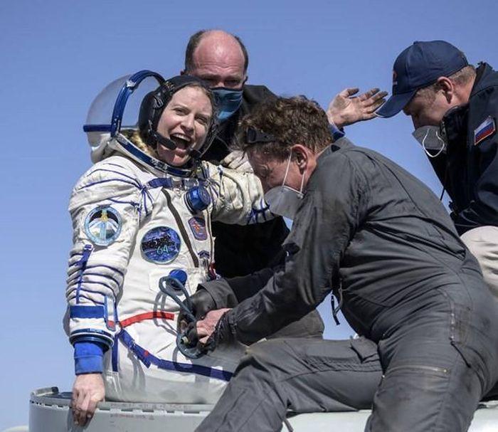 Sau nửa năm trên Trạm Vũ trụ Quốc tế – ISS, 3 phi hành gia đã trở về Trái Đất an toàn