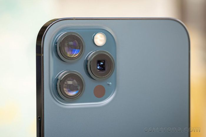 IPhone 14 đi kèm camera 48MP, quay video 8K, và khai tử iPhone mini từ năm 2022