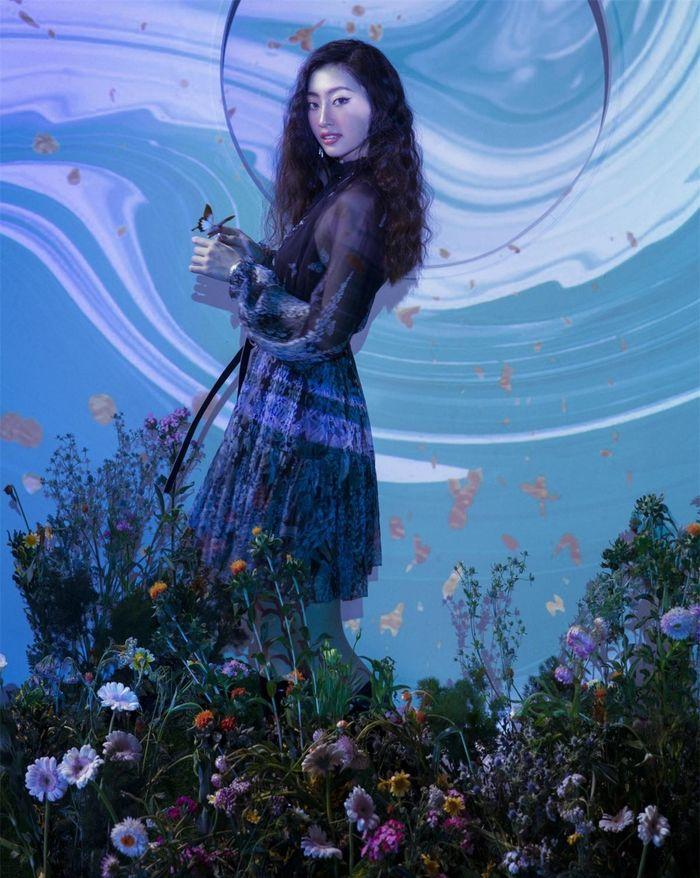 Hoa hậu Lương Thùy Linh hóa nàng thơ trong bộ ảnh mới