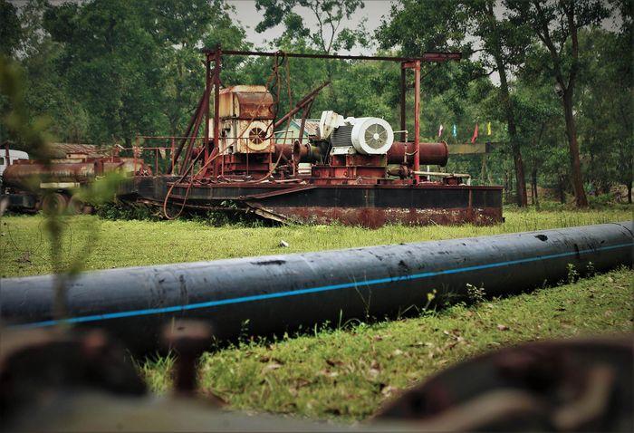 Mỏ sắt lớn nhất Đông Nam Á bất động gần 10 năm