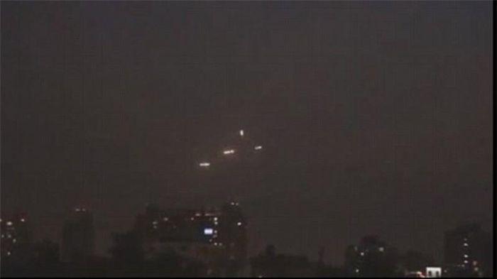 Hạm đội UFO bí ẩn 'đổ bộ' xuống thăm Chile