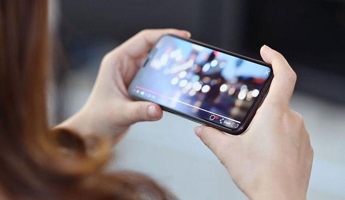 YouTube có cập nhật mới khiến người dùng Android và iOS 'sướng rơn'