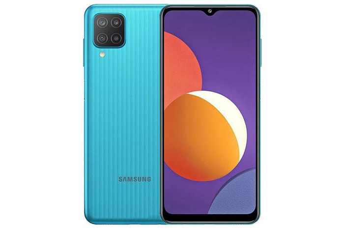 Smartphone Samsung với RAM 4 GB, pin 5.000 mAh, màn hình 90Hz, 4 camera sau, giá gần 4 triệu tại Việt Nam