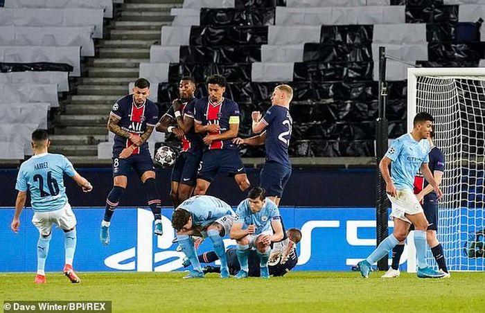 Pochettino đau đớn vì PSG thua ngược Man. City