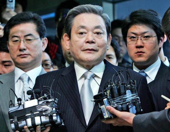 Vì sao gia tộc sở hữu Samsung phải nộp thuế gần 11 tỷ USD?