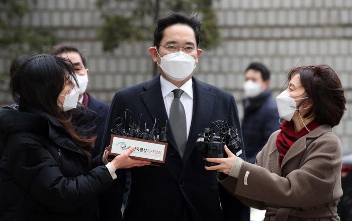 Thừa kế cổ phần từ cha, 'Thái tử Samsung' siết chặt kiểm soát công ty