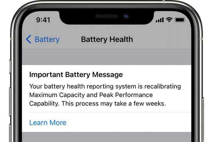 Nhận được thông báo này, người dùng iPhone sẽ được thay pin miễn phí