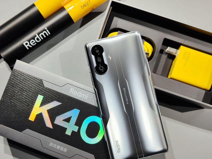 Redmi bán hơn 100.000 chiếc Redmi K40 Gaming Edition trong một phút mở bán đầu tiên