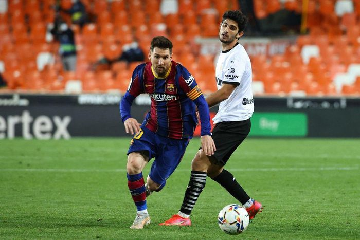 Messi thăng hoa, Barca tiếp tục đua vô địch La Liga