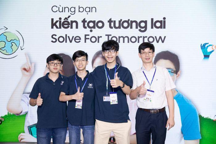 Dùng công nghệ thay đổi cộng đồng với Solve for Tomorrow