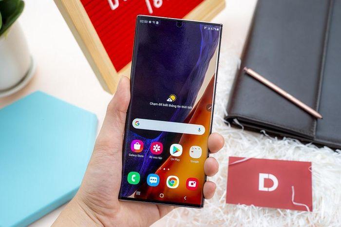 IPhone 12 Pro Max và Note 20 Ultra điện thoại nào được mua nhiều hơn tại Di Động Việt?