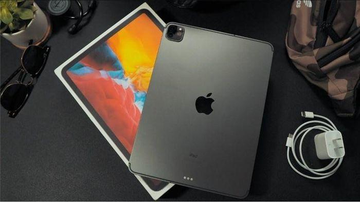 Apple lún sâu trong 'khủng hoảng chip'?