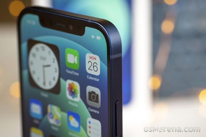 Samsung sẽ cung cấp cả màn hình và bảng mạch iPhone 13