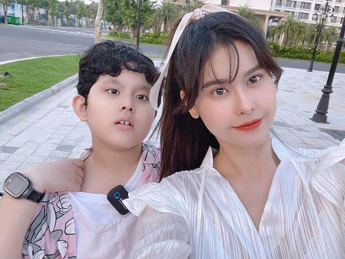 Trương Quỳnh Anh và Tim cùng đưa con đến Phú Quốc, cặp đôi nối lại tình xưa hay gì?