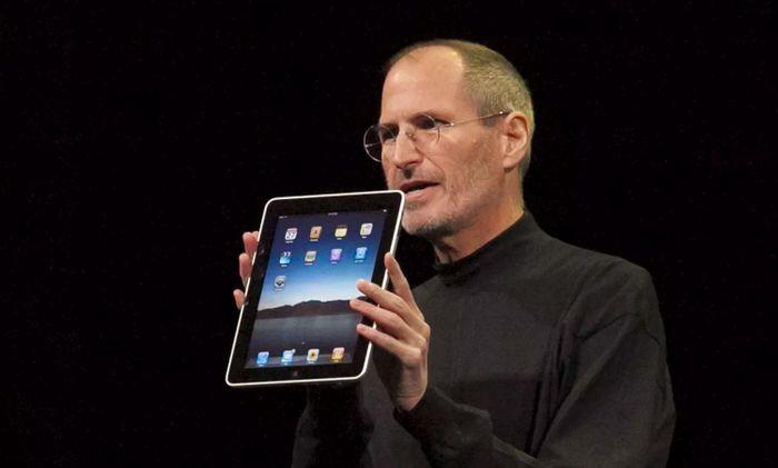 Bằng chứng cho thấy Apple mâu thuẫn với Facebook từ thời Steve Jobs