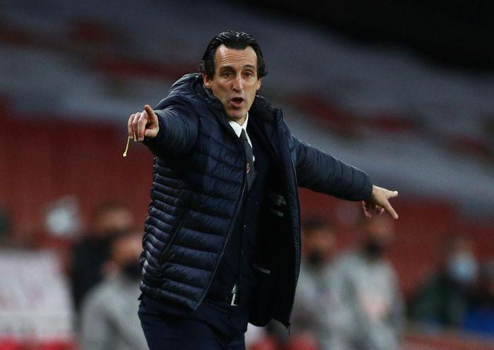 Arsenal bị loại khỏi Europa League