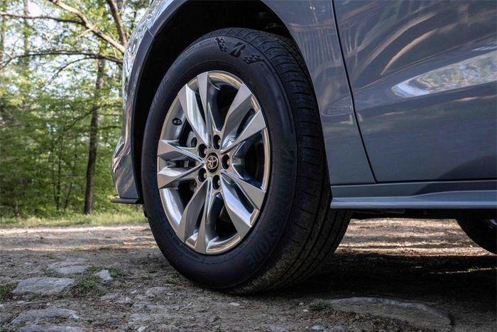 Chi tiết Toyota Sienna 2022 phiên bản dã ngoại