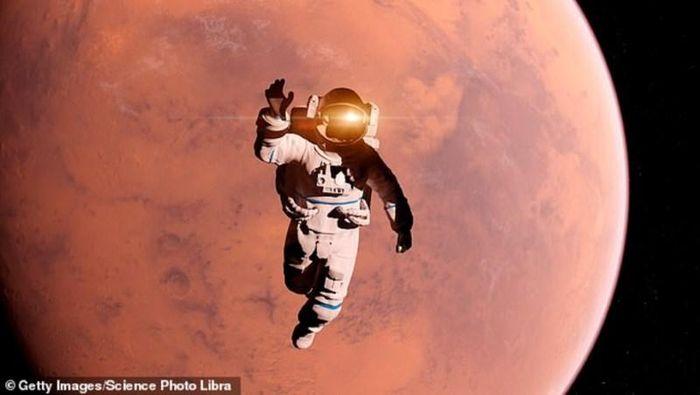 Phi hành gia tử vong trong phi vụ sao Hỏa được xử lý thế nào?