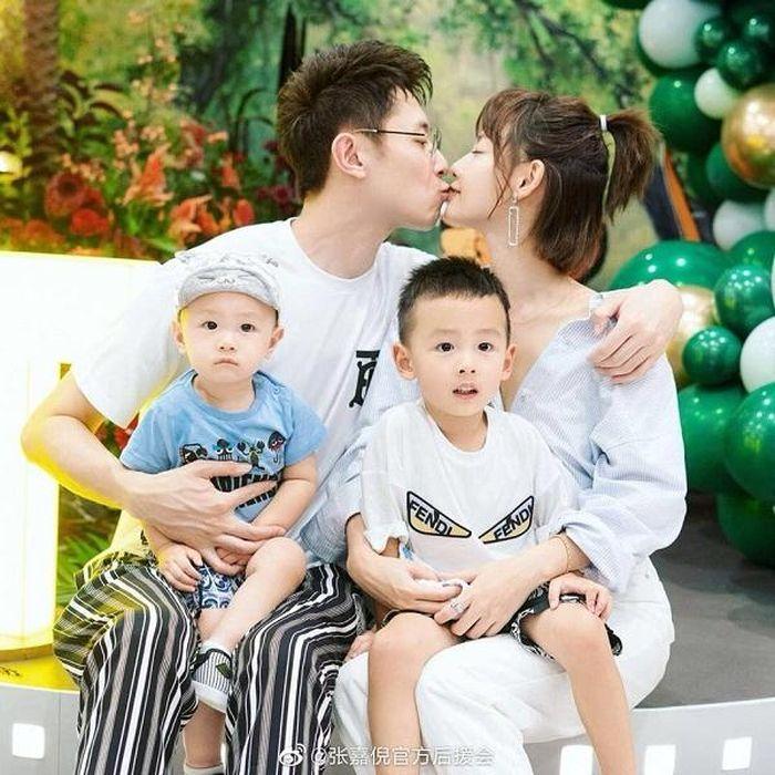 Số phận những cặp sao Hoa ngữ kết hôn nhưng không làm đám cưới: Dĩnh - Phong đã 'toang', Triệu Vy 'mấp mé' ly hôn