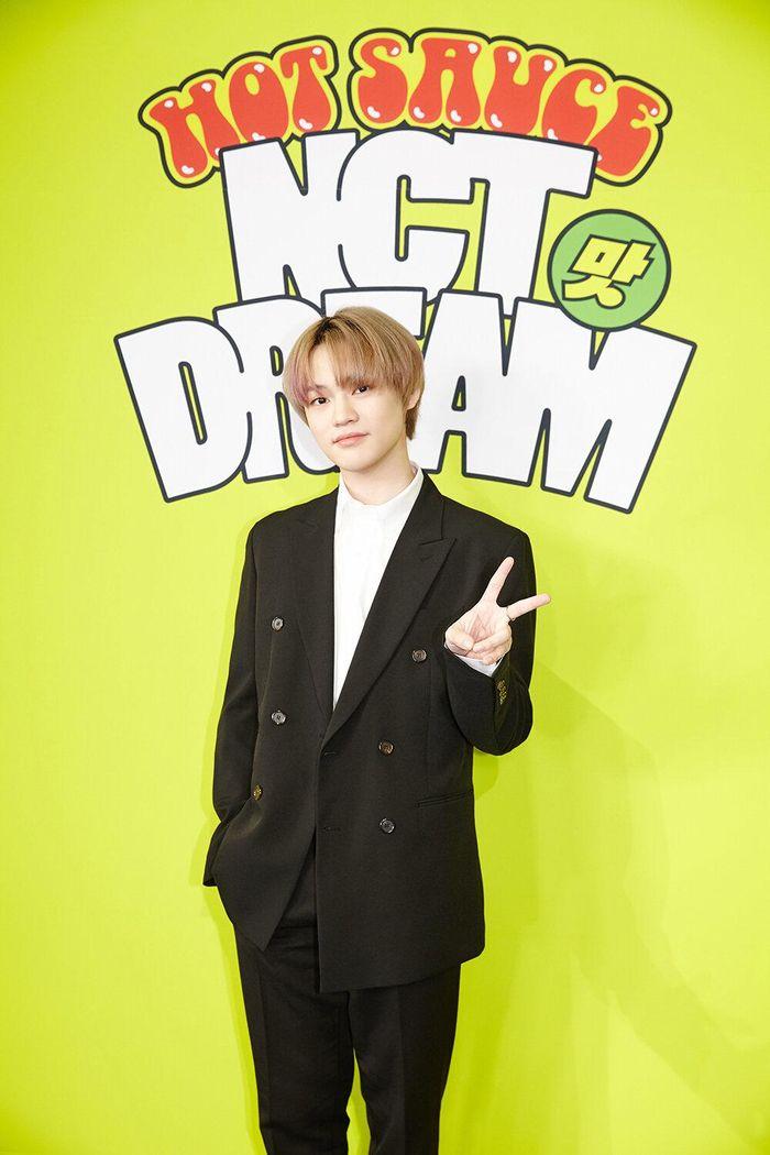 Họp báo comeback của NCT DREAM với 'Hot Sauce': Lần đầu 'chơi lớn' thử nhạc lạ và cái kết 'triệu bản'