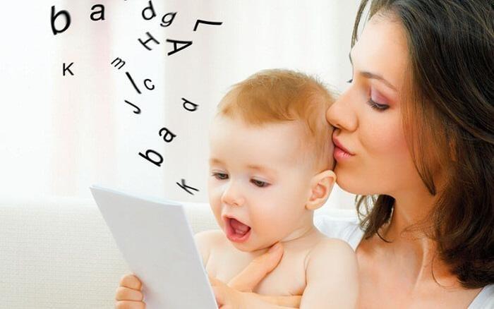 Trẻ chậm nói: Cha mẹ có đang thờ ơ trước việc tương tác cùng con?